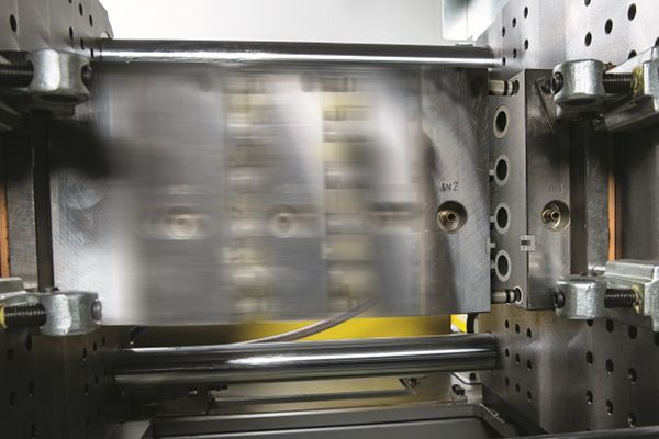 Injection moulding: electric vs  hydraulic