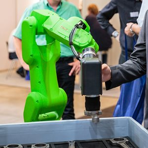 Human-robot collaboration with FANUC Collaborative Robot CR-7iA/L